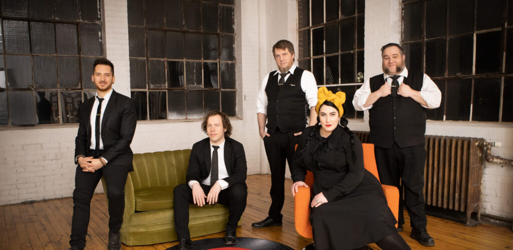 Davina and the Vagabonds Image